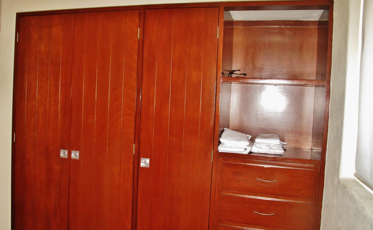 Bedroom closet condominium punta esmeralda la cruz de for California closets mexico