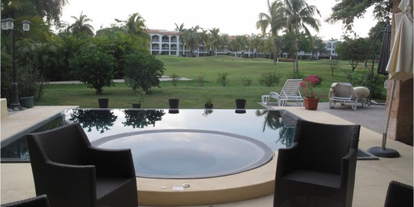 Jacuzzi Villa Jaguar en Paradise Village Golf y Country Club
