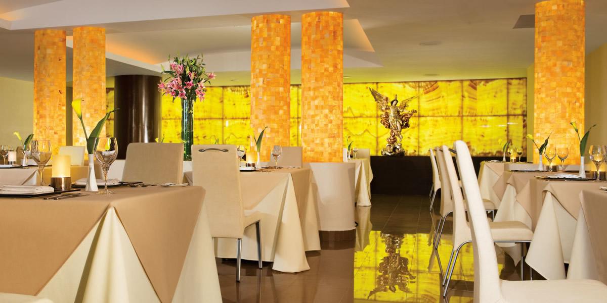 Comedor restaurante Condominio Villa Magna Nuevo Vallarta con Estudio Penthouse