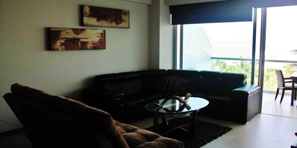 Sala con vista al mar condominio Peninsula en Nuevo Vallarta Nayarit